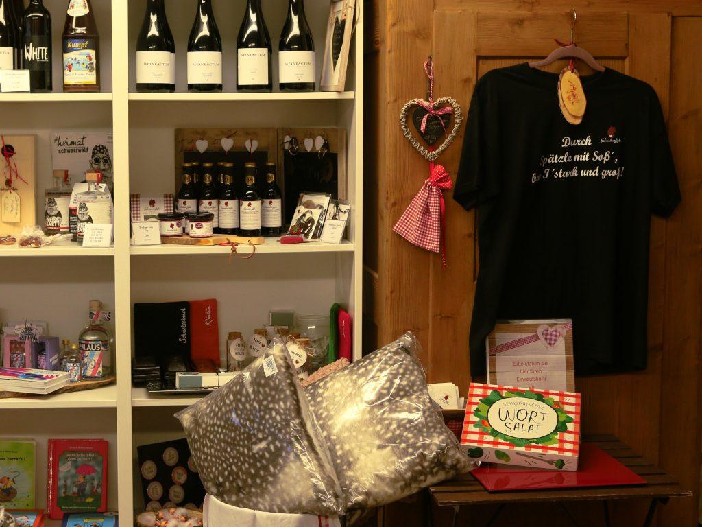 Innenraum eines schwäbischen Geschenkladens